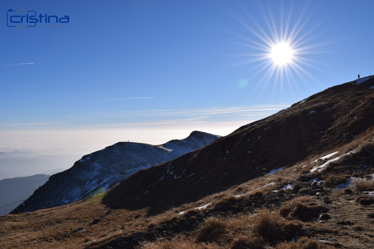 Peisaj munte cu soare